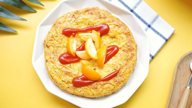 Rảnh rỗi tôi thử làm bánh trứng khoai tây: Món dễ làm mà khiến trẻ con trong nhà đều thích mê
