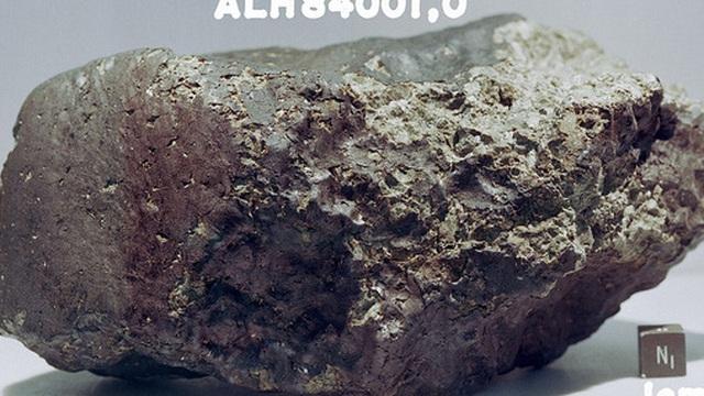 Phát hiện mới: Viên thiên thạch 4 tỷ năm tuổi rơi từ Sao Hỏa xuống Nam Cực chứa thành phần thiết yếu của sự sống