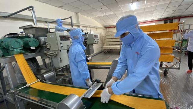 Thủ tướng Nguyễn Xuân Phúc: Khởi động lại nền kinh tế