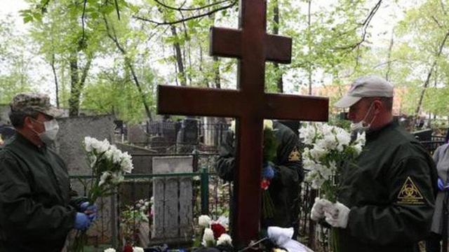Bệnh viện điều trị COVID-19 tại Nga bốc cháy, 1 người chết