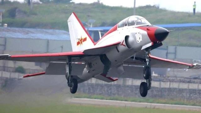 Vì sao hải quân Trung Quốc đưa máy bay huấn luyện hạng nhẹ lên tàu sân bay?
