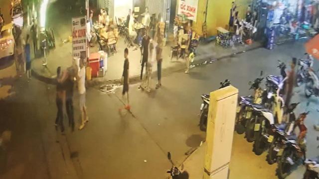 Dân bị chém thương tích 42%, có camera nhưng công an không tìm được hung thủ