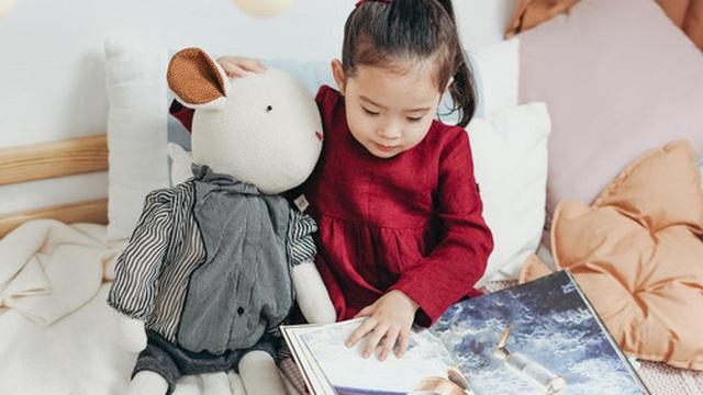 Dạy con về kỹ năng đọc hiểu sớm bao nhiêu, khi đi học con sẽ biết ơn bố mẹ nhiều bấy nhiêu