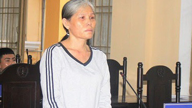 Ghen tuông, nữ nhân U50 dùng dao đâm liên tiếp vào ngực người tình