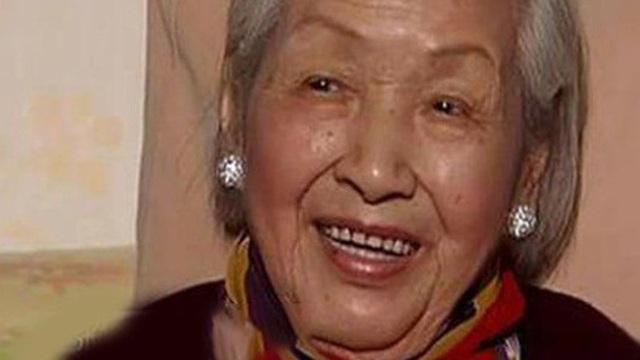 Cụ bà bị ung thư ruột vẫn sống thọ 115 tuổi và có nét đẹp thanh tú như 'thiếu nữ': Bí quyết kéo dài sự sống đến từ 4 việc rất cơ bản