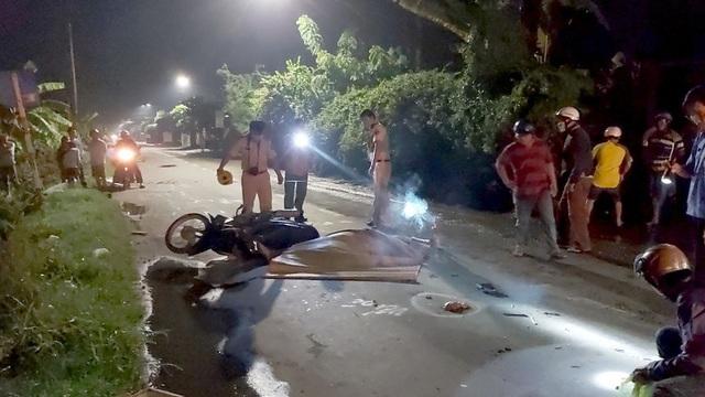 Va chạm liên hoàn giữa 3 xe máy, 2 người thương vong