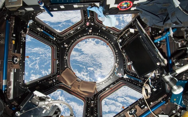 Trạm Vũ trụ Quốc tế gặp trục trặc bất ngờ, phi hành gia đi trú ẩn