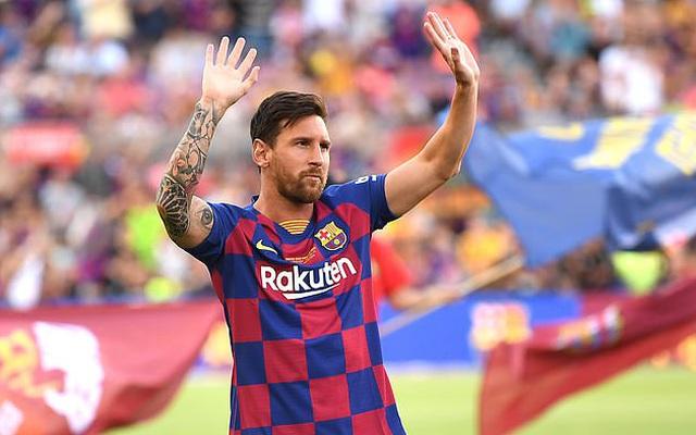 """Messi bị người hâm mộ """"tố"""" lợi dụng Man City để lật đổ chủ tịch Barcelona"""