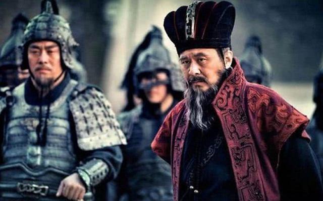 Thân là Thừa tướng nhà Hán, tại sao Tào Tháo vẫn bất chấp hiểm nguy để tự mình mang quân ra trận?