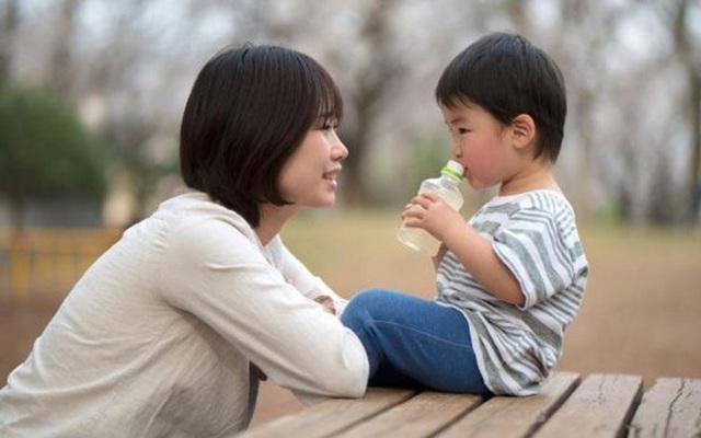Mẹ làm được 4 việc này, con trẻ lớn lên sẽ trưởng thành ưu tú: Bạn đã làm được mấy việc?