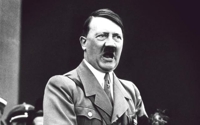 """Hitler """"căm thù điên cuồng"""" thứ này từ Nga: Treo thưởng 1,3 triệu USD mà không tắt được!"""