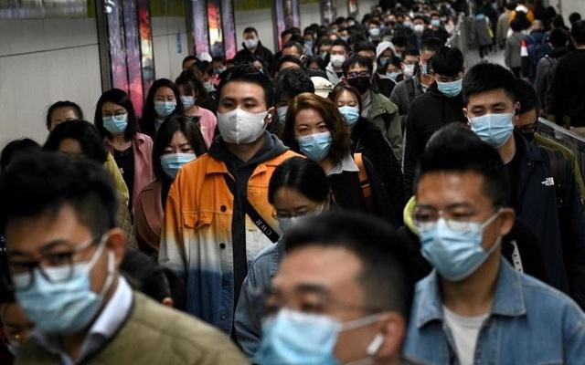 """Chuyên gia Trung Quốc """"tạt nước lạnh"""" mô hình sống chung với COVID, nói Singapore thất bại"""
