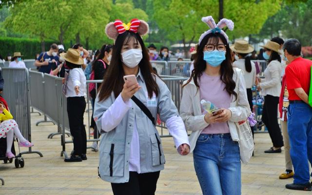 Bắc Kinh quyết định rắn, người Trung Quốc nổi cáu: Tỷ lệ tiêm chủng 80% có thành công cốc?