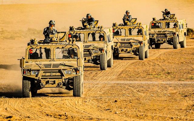 """Quân đội Việt Nam đã nhập khẩu và nhận chuyển giao xe bọc thép """"Humvee Trung Quốc""""?"""