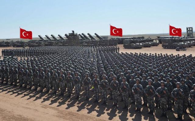 Nã đạn vào căn cứ cũ của Nga, Thổ đối diện với điều khủng khiếp ở Syria