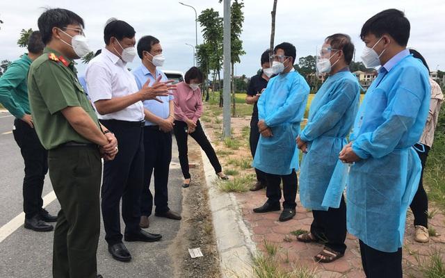 Thứ trưởng Bộ Y tế Đỗ Xuân Tuyên: Cảnh giác, bình tĩnh và chủ động tổ chức dập dịch một cách chắc chắn