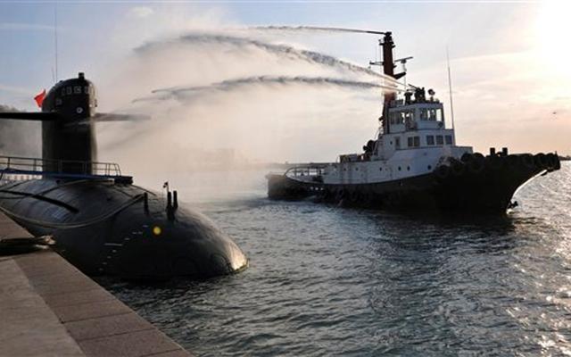"""Khoe tàu ngầm hạt nhân, TQ đã sẵn sàng """"đụng độ"""" Nhật Bản?"""