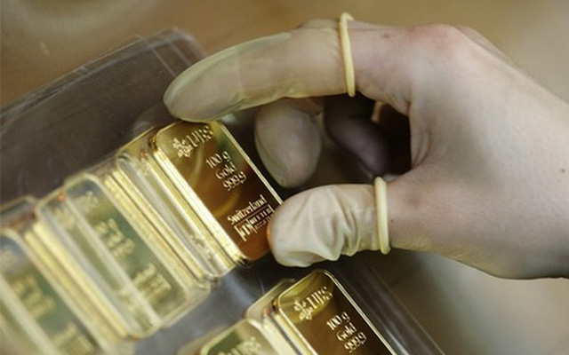 Vàng trong nước đồng loạt giảm mạnh