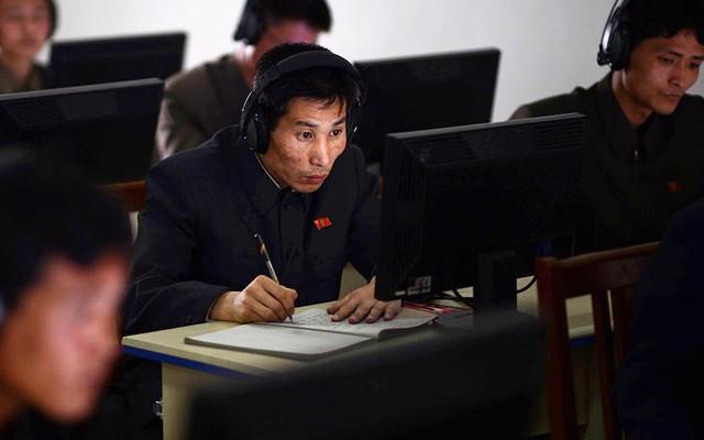 """Tiết lộ cơ cấu tổ chức nắm giữ """"vũ khí thần diệu"""" của Triều Tiên"""