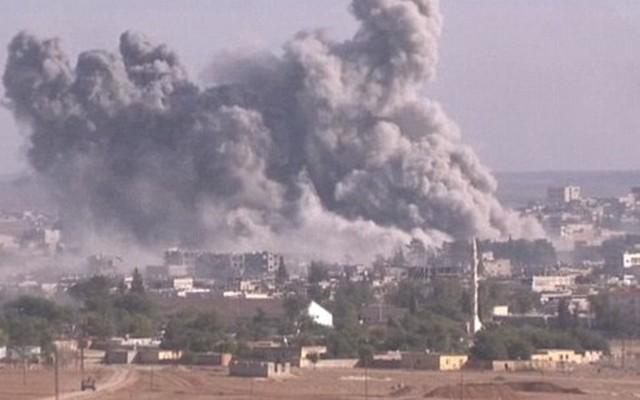 Mỹ thả vũ khí nhầm vào tay quân IS ở gần thị trấn Kobane