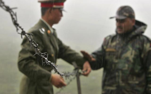"""Ẩn số """"thỏa thuận ngầm"""" khi Trung Quốc-Ấn Độ đồng ý rút quân khỏi biên giới"""