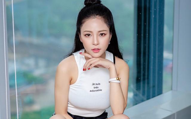 Hot girl Trâm Anh: Bị stress, không dám ra đường sau ồn ào với PewPew