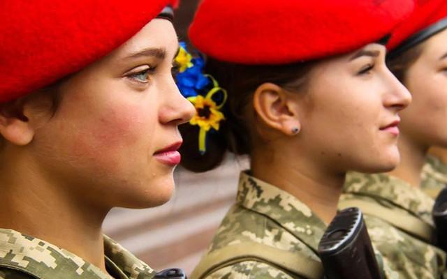 """Âm mưu """"thuần phục Gấu Nga"""" hùng mạnh: Ukraine đi những nước cờ táo bạo"""