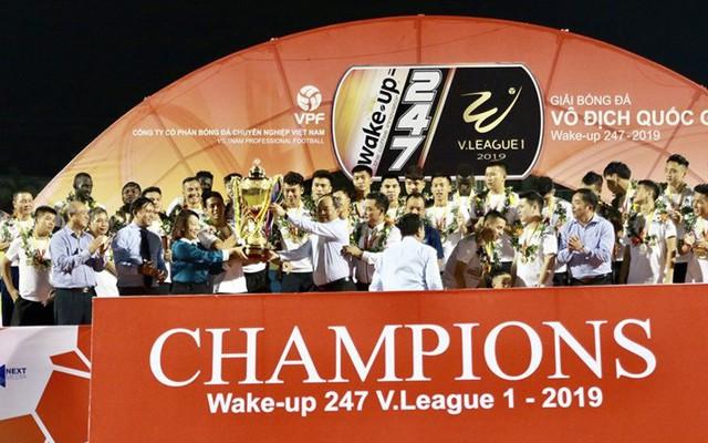 """Nhìn lại V.League 2019: Cái Cúp bị """"thất lạc"""""""