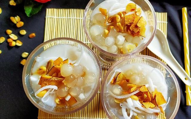 Nắng lên nấu nồi chè dừa thập cẩm vừa ngon vừa mát ăn là hợp lý nhất!