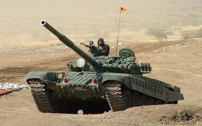 Ấn Độ thần tốc qua mặt, đưa tăng T-72 lên cao điểm: Trung Quốc hết bất ngờ lại choáng váng