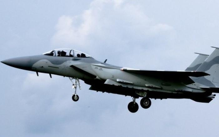 """Xem """"siêu đại bàng"""" F-15QA lần đầu tiên tung cánh trên bầu trời"""