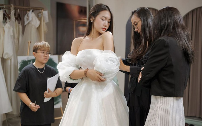 Tránh nhắc đến Đoàn Văn Hậu, Doãn Hải My lại gây chú ý với loạt ảnh diện váy cưới sexy