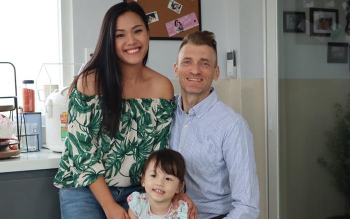 Phương Vy Idol lấy chồng Tây: Thường xuyên xung đột văn hóa với cha mẹ