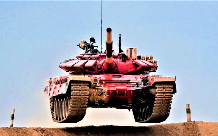 Phát triển xe tăng chiến đấu chủ lực – sự khác biệt trong cách tiếp cận của Mỹ và Nga