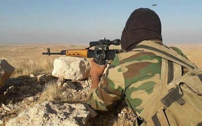 """Cả gan tấn công binh sĩ Syria, IS khốn đốn trước """"đòn thù"""" của Nga"""