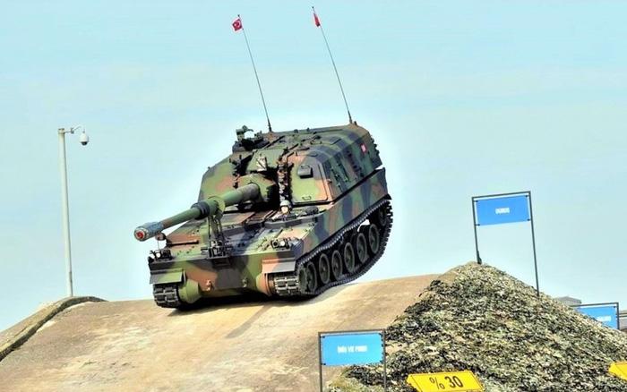 Thổ Nhĩ Kỳ đưa pháo tự hành Т-155 Firtina hiện đại hóa vào trang bị