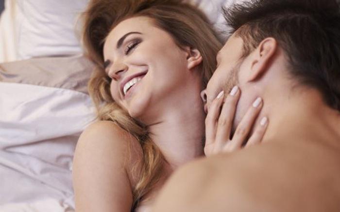 Ham muốn tình dục 'lệch tông', người muốn quan hệ, người không: Làm sao để cân bằng?