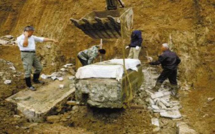 Khai quật cổ mộ 2.000 năm tuổi, thứ bên trong khiến chuyên gia hạt nhân phải lên tiếng