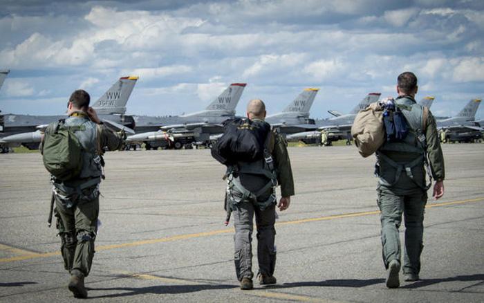 """Các nhà điều tra tiết lộ """"góc tối"""" của ngành hàng không quân sự Mỹ - xổ số ngày 20082019"""