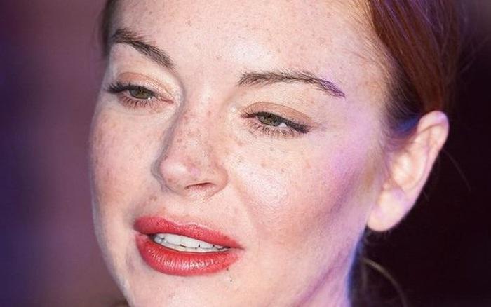 Phát hoảng với nhan sắc tàn tạ, già nua của Lindsay Lohan - mỹ nữ nóng bỏng một thời