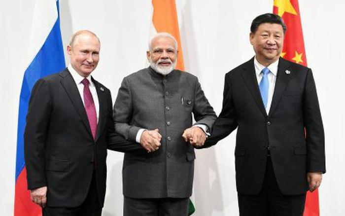 """Nếu chiến tranh nổ ra ở Himalaya, """"cuộc tình tay ba"""" Nga - Trung Quốc - Ấn Độ sẽ ra sao?"""