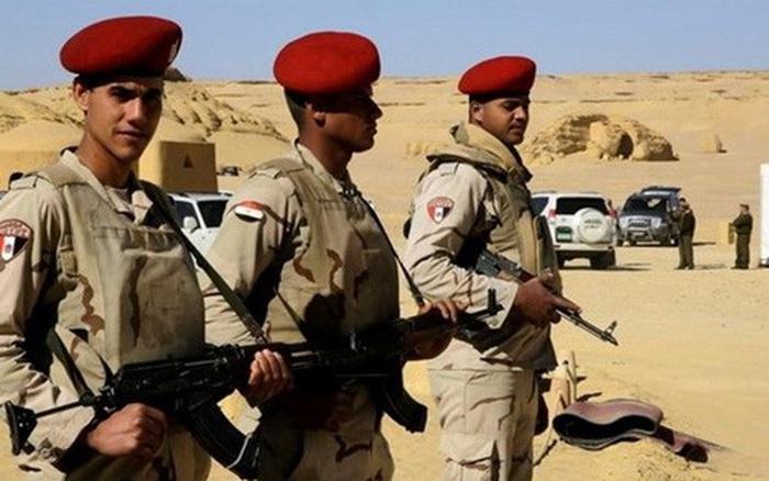 """Ai Cập tiêu diệt 2 tên khủng bố """"rất nguy hiểm"""" tại vùng Bắc Sinai"""