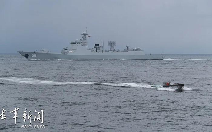Động thái đầu tiên từ tàu khu trục hiện đại nhất của Trung Quốc
