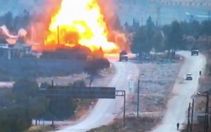 Chiến sự Syria: Liều lĩnh đánh bom đoàn xe Nga và Thổ Nhĩ Kỳ ở Idlib, phiến quân đối diện với đòn trả đũa...