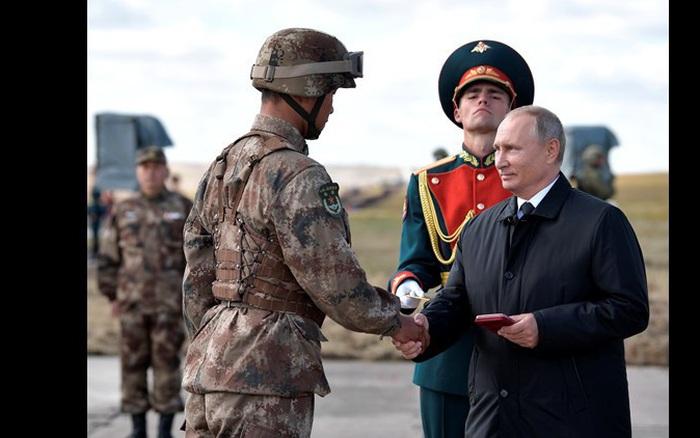 Nga, Trung Quốc khó có thể là liên minh quân sự?