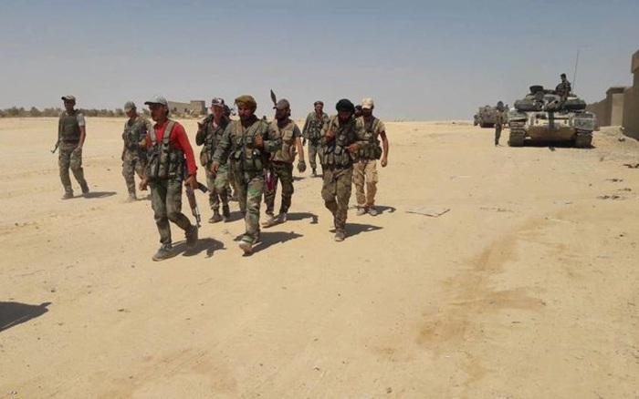 """Chiến sự Syria: Oanh kích dữ dội vào Latakia và Idlib, quân đội Syria đẩy lực lượng thánh chiến vào """"chảo lửa"""""""