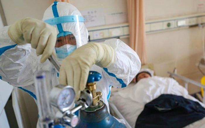 Bệnh viện Bệnh Nhiệt đới Trung ương: 3 bệnh nhân COVID-19 tiến triển rất nặng