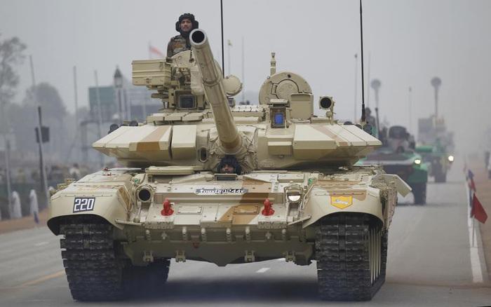 Cuộc đấu xe tăng T-90 và Type 15 trên dãy Himalaya