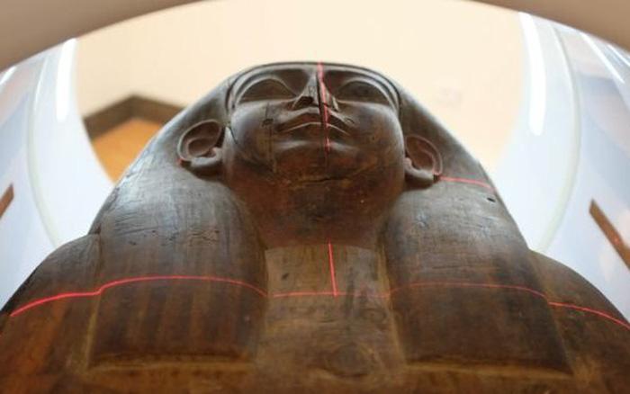 Xác ướp 2.600 tuổi đột ngột xuất hiện trong quan tài rỗng sau 150 năm