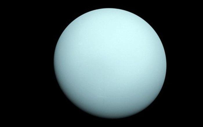 Hành tinh có 27 mặt trăng tiến gần Trái Đất, nhìn được bằng mắt thường